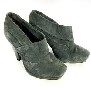 KENNETH COLE Gray Suede Ankle Slip-on Booties